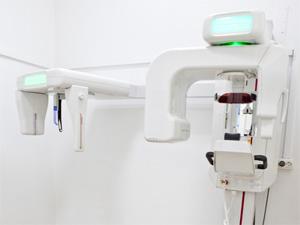 Современный ортопантомограф — повзоляет делать панорамный снимки высокого разрешения.